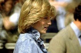 30 Rare Photos Of Princess Diana And Queen Elizabeth II Pregnant