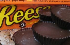 Reese's Peanut Butter Cups Alert! They May Cause Stomach Cancer And Intensify ADHD