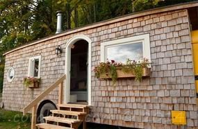 An Old Yellow School Bus Was Transformed Into A Charming Little Home… Take A Look Inside!