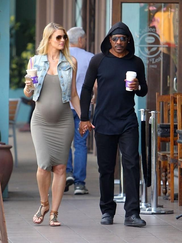 Eddie Murphy And Paige Butcher Can't Keep Their Hands To Themselves