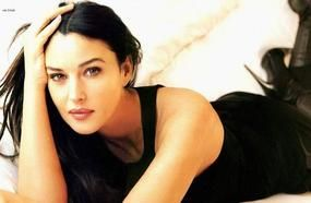 Top 10 Actresses With Beautiful Eyes!