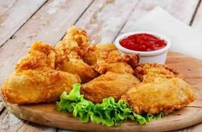 Two Women Tried Fried Chicken From 4 Fast Food Chains