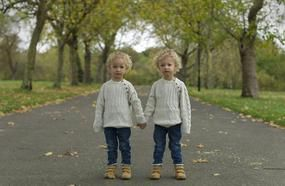 Portraits Of Identical Twins Show Just How Different They Are!