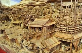 This Talented Artist Spent Four Years Meticulously Sculpting The Longest Wood Carving In The World