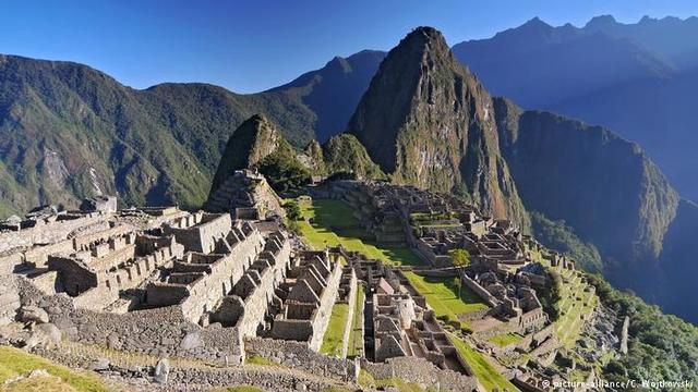 Peru restricts access to Machu Picchu Inca city to prevent damage