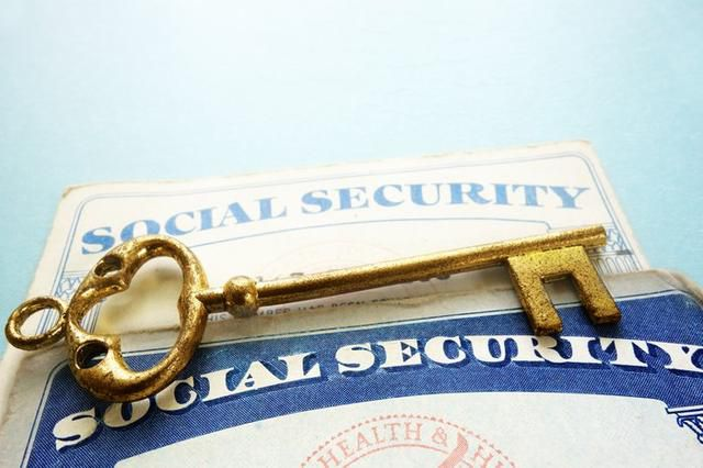 The 5 Best Perks of Social Security