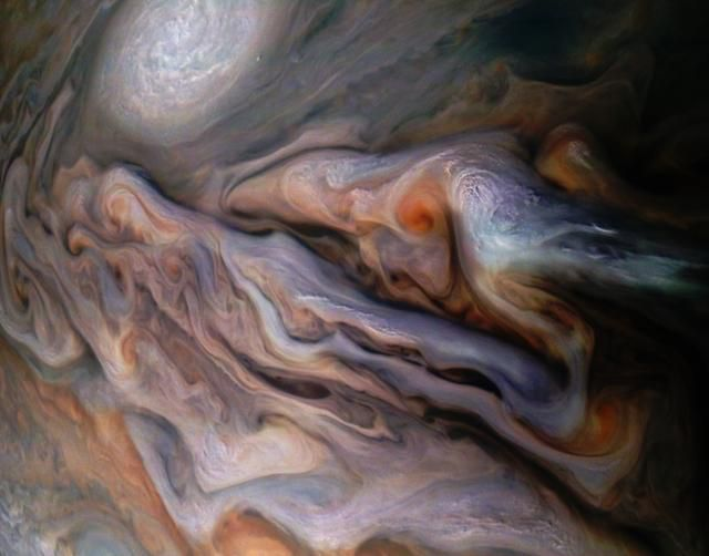 Jupiter will soon be so close to Earth you'll be able to see its moons without a telescope