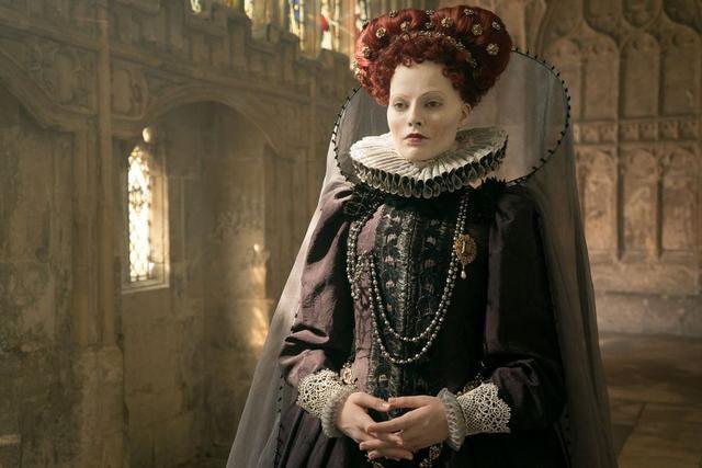 Robbie as Elizabeth in Mary Queen of Scots.