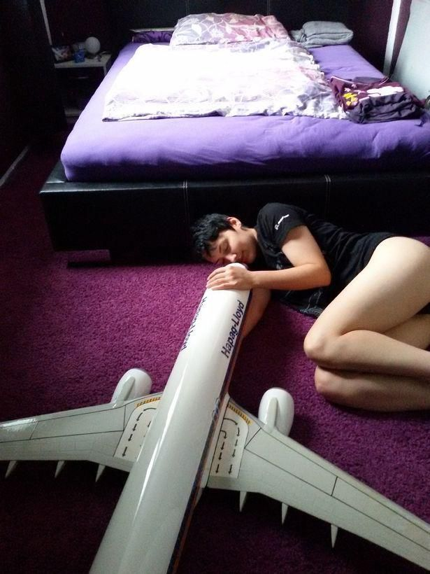 German Woman Claims Boeing737-800 As Boyfriend And Future Husband