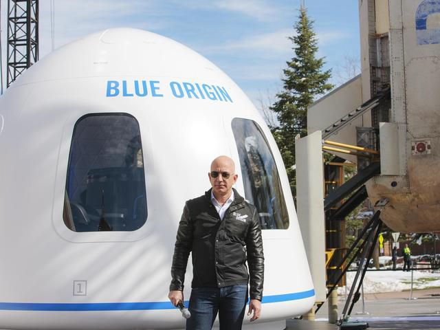 Amazon CEO Jeff Bezos Doesn't Think Elon Musk Should Colonise Mars