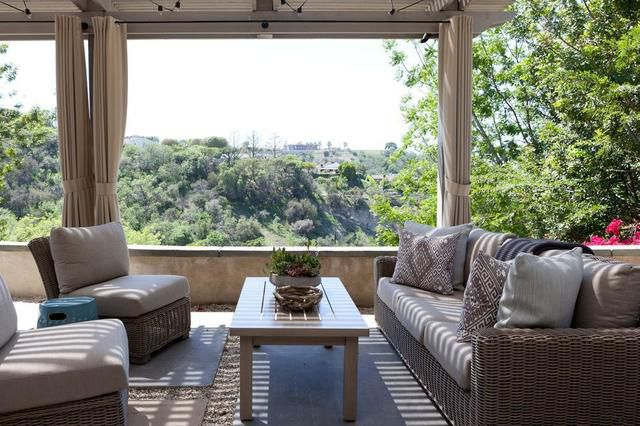 Gorgeous Outdoor Rooms to Inspire Summer Entertaining ... on Rk Outdoor Living id=44929
