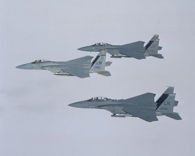 Why The Air Force Wants To Buy Boeing's Aging Fighter
