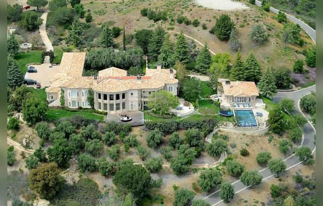 Abandoned! Britney Spears Mansion Appears Rundown During Rehab Stay