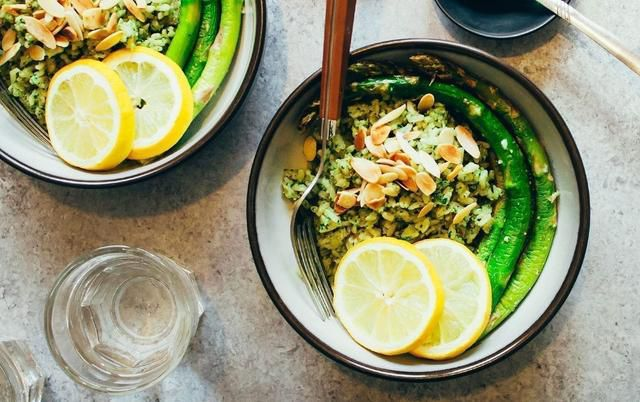 8 Creative Ways to Use Asparagus Under 480 Calories