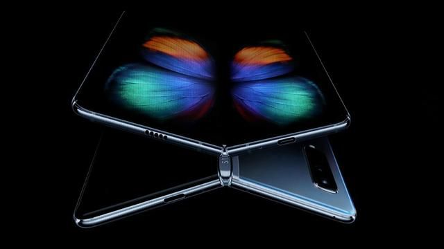Samsung's Foldable Phones Haven't Even Shipped Yet And Are Already Breaking