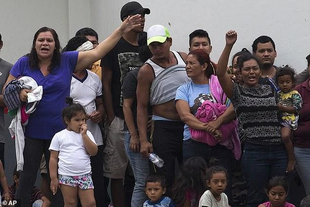 More than 600 Cuban migrants escape from overcrowded Mexican detention center and chant: 'We want food! We want out!'