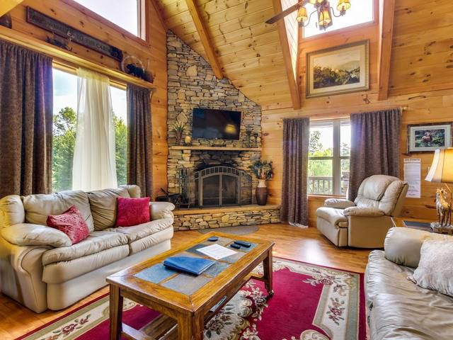7 cozy cabins for rent in the North Georgia Mountains