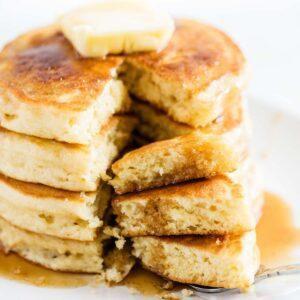 The BEST Buttermilk Pancakes (soft & fluffy!)