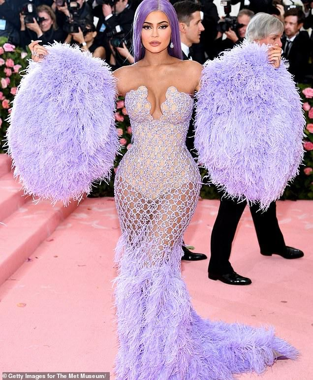 Kylie Jenner caught slimming down her waist with airbrush in altered Met Gala photo