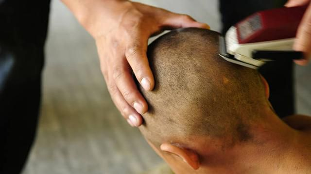 Dad Makes Girl Shave Her Head as a Punishment Without Talking to Mom & Has No Regrets