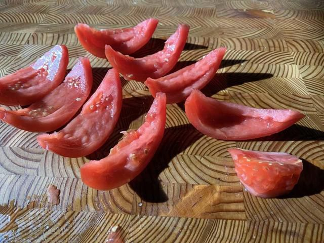 The Right Way to Cut Tomatoes, No Matter How You're Using Them