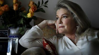 Actress Kate Mulgrew discovers her past in a memoir about her parents
