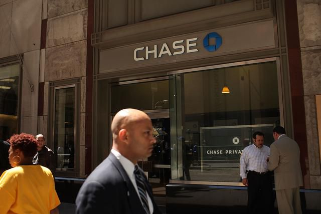 Chase just tried to screw its credit card holders. Here's how you can screw them back