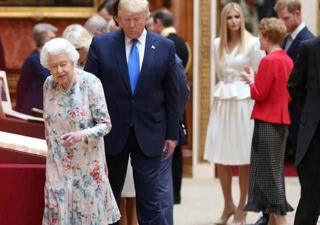 Melania rescues Trump from embarrassment after he fails to recognise gift he gave Queen less than a year ago