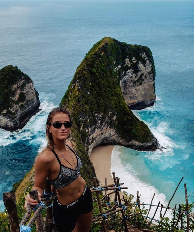 21-Year-Old American Sets New World Record as the Youngest Person to Travel to Every Country in the World