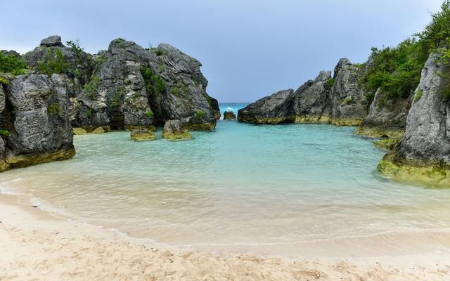 One of Bermuda's Tiniest Beaches Is Also One of the Most Beautiful