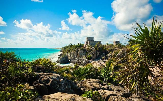 12 Summer Destinations That Are Perfect for Couples