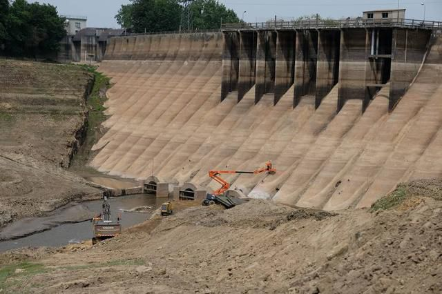 Biggest dam removal in European history has begun with the Vezins dam