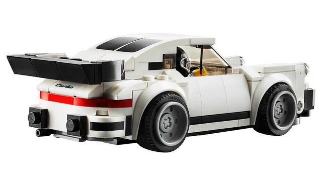 1974 Porsche 911 Turbo receives the Lego treatment