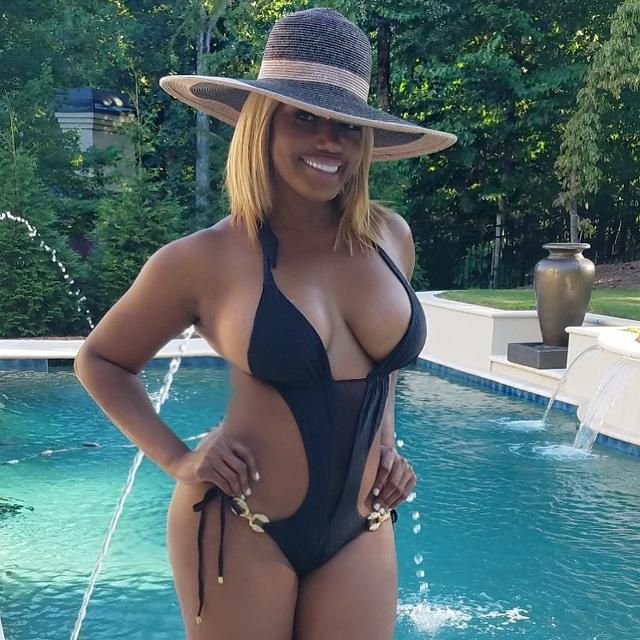 NeNe Leakes Breaks The Internet With The Latest Photos In Which She Shows Off Her Beach Body – People Accuse Her Of Editing The Pics