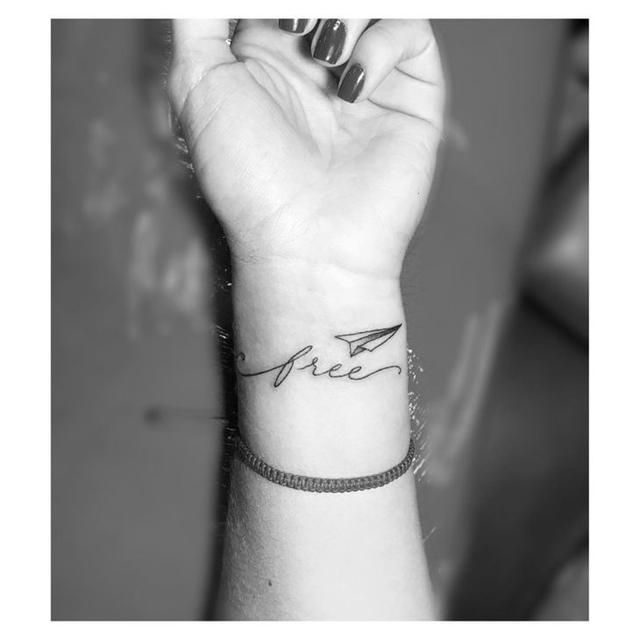 21 Wrist tattoos that are beautiful & inspiring
