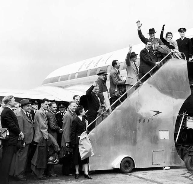 Here's What It Was Really Like (And It's Actually Crazy) to Fly in the 1950s