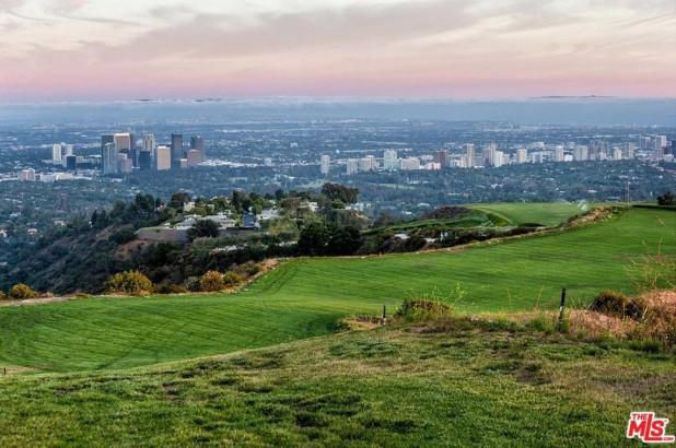 Beverly Hills 'mountain' once asking $1B sells for price of a car