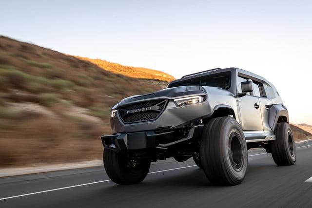 Ride Out the Apocalypse With the 1,000-Horsepower Rezvani Tank X SUV