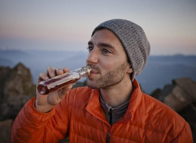 7 Clever Ways to Drink in Public (Without Being an A-Hole)