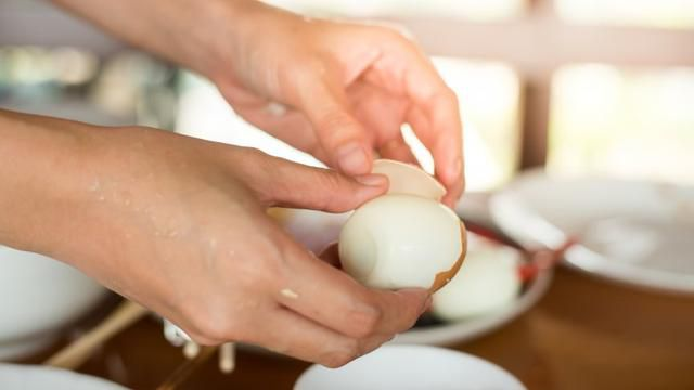 The secret ingredient that makes hard-boiled eggs easier to peel