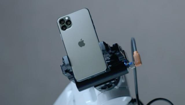 iPhone 11 Pro Max Vs Galaxy Note 10 Plus: Performance, Camera, Design