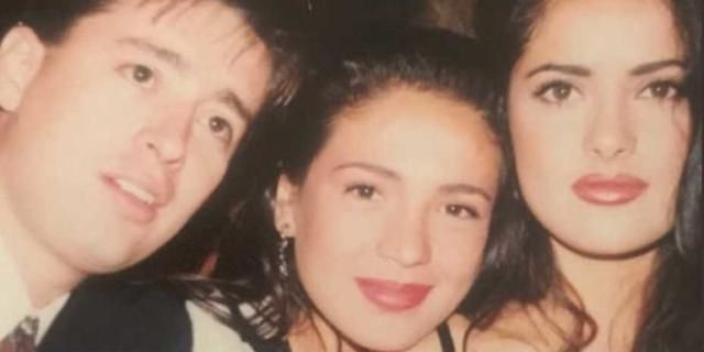 Dad surprises daughter with photo evidence that he once dated Salma Hayek