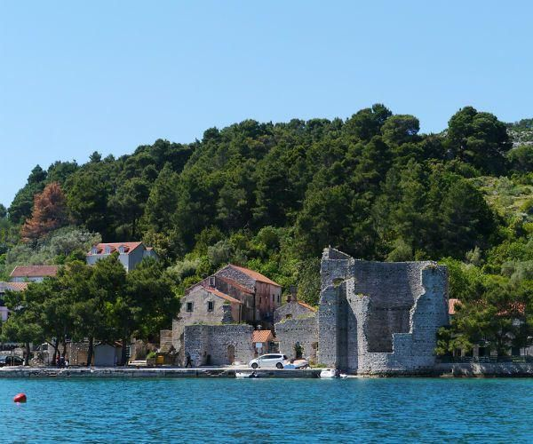 5 beautiful Croatian islands not to miss on a private yacht charter