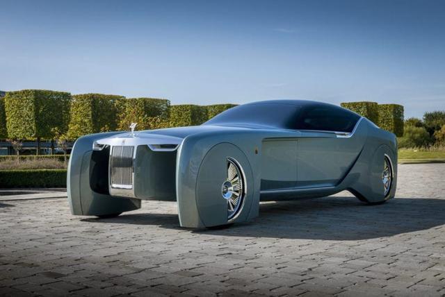 Electric Rolls-Royce 103EX Returns Home