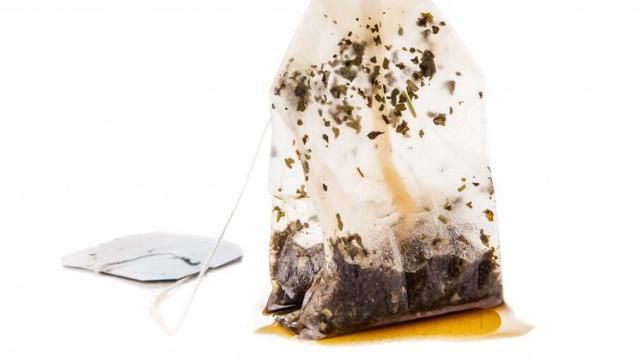 Put used tea bags in a sink of dirty dishes, and watch what happens