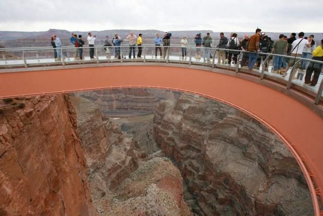 Authorities Searching For The Body Of A Man Who Jumped To Death From Grand Canyon Skywalk