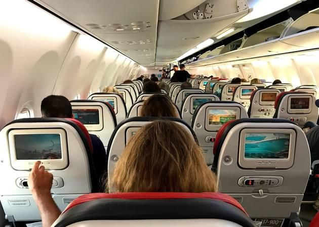 17 Things Everyone Should (and Shouldn't) Do on an Airplane