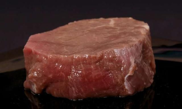 Major study finds cutting down red and processed meat consumption has little impact on health