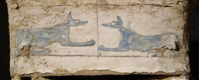 An Eerie Egyptian Burial Has Been Found, With Nonsense Hieroglyphs on The Coffin