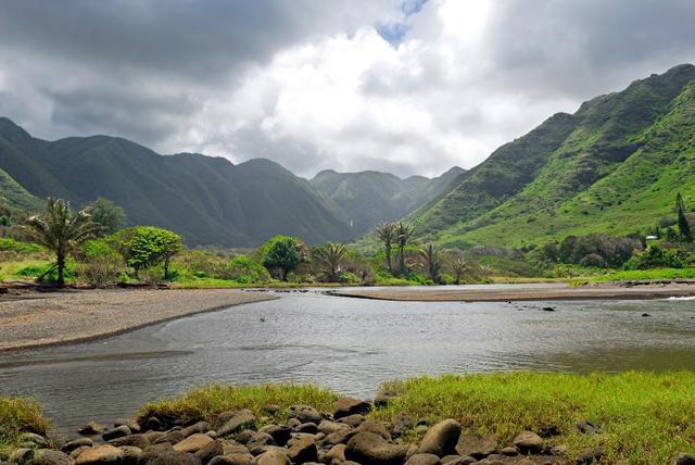 Molokai and Lanai: Two Hawaiian islands, two approaches to tourism